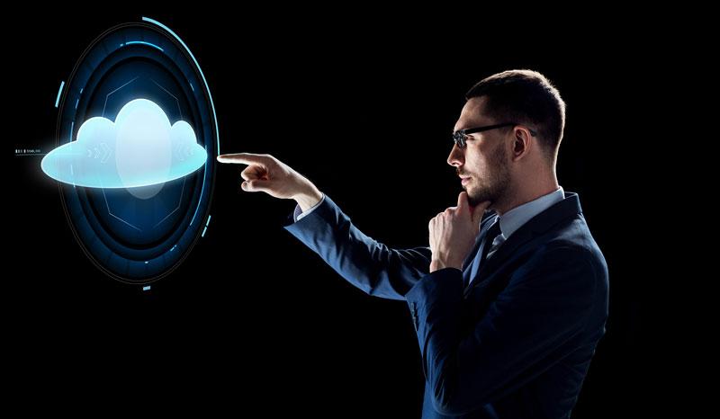 Ilustración hombre de negocios señalando cloud
